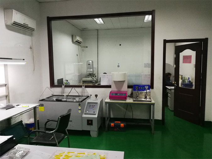 plastic injection molding checkout room